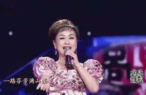 李谷一这首《绒花》,歌声高昂好听,至今无人超越她!