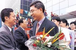 上海市委副书记援藏:青丝变华发,大把大把吃药