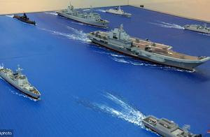 震撼来袭,咱大辽宁舰和最新核潜艇参加海军70周年大阅兵