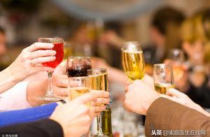 """糖尿病人喝酒会有哪些影响?4大危害,早在一旁""""伺机而动"""""""