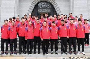 国乒回国后首次进行集体行动!刘国梁亲自带队前行,马龙代表宣誓