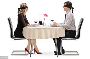 聊天时尴尬了怎么办?8招教你机智应对尴尬局面,让魅力值飙升