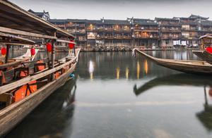凤凰古镇这么多的特色景点,你带她去了吗?