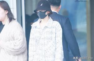 """27岁迪丽热巴爱上""""男友风"""",穿1500衬衫配398渔夫帽,酷帅有型"""