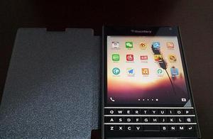 情怀入手 — BlackBerry 黑莓 Q30 开箱简评!