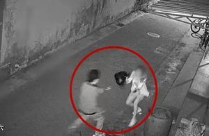 吓人!凌晨4点独自回家,内蒙古呼和浩特一女子遭遇男子摸胸猥亵