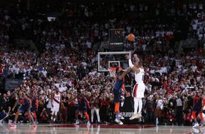 利拉德绝杀震全美!但詹姆斯才是NBA历史绝杀王,季后赛绝杀5次!