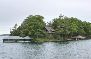 乘游船游览加拿大千岛湖(图)