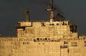 参加阅舰式的各国军舰表面为啥坑坑洼洼的?难道都是质量问题?