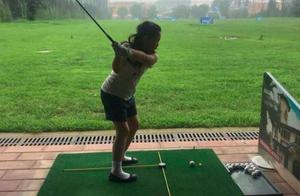 李湘继续花式富养女儿,9岁王诗龄身材健壮打高尔夫有模有样