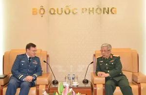 不远万里——加拿大谋求与越南加强防务合作