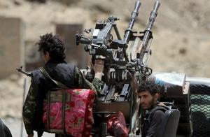 安全大楼也敢炸?沙特斩首处决37名武装分子,其中1名被钉柱示众