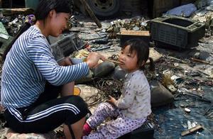 被你丢弃的手机可能成为电子垃圾,广东这座小镇差点毁了