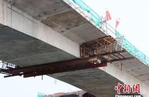 广东海陵岛特大桥主桥右幅合龙 预计2020年通车