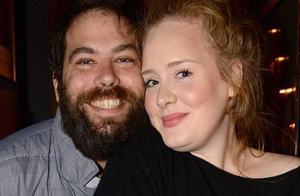 阿黛尔宣布离婚,两人将共同抚养孩子
