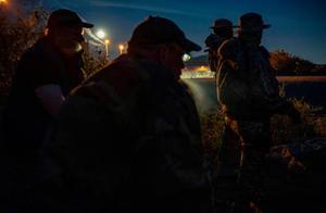 美民兵组织扣押数百非法移民,FBI逮捕其成员