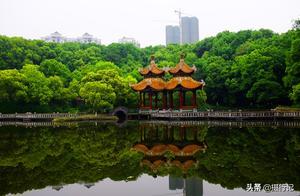 风光摄影:湖北宜昌东山公园春色迷人,周末游人来踏青