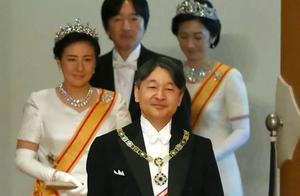 日本新皇54岁弟弟成王储,不仅没笑容,还建议德仁自掏腰包即位