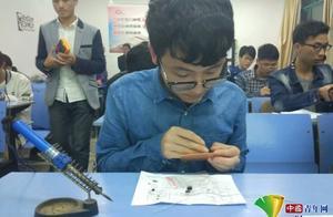"""中国青年网:""""硬核""""毕业班就业率100% 近半数同学考研成功"""