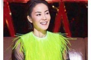 49岁王菲穿流苏裙只为博眼球?反观38岁张柏芝才知什么是真女神!
