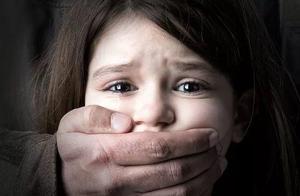 """数十万少女""""在线堕胎"""":把女儿养得多白多甜,长大就会有多惨痛"""