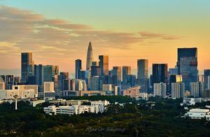 张五常:深圳会成为全球经济中心