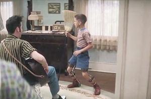 """阿甘正传:阿甘小时候和""""猫王""""住一起,还为他编过特别的舞步"""