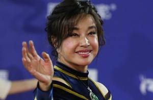 北影节闭幕式高清生图:高龄女星集体脸僵,佟丽娅性感完胜全场!