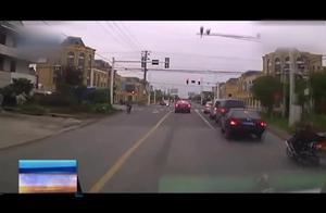私家车闯红灯让道救护车,处罚还是不处罚?事后交警做出处理