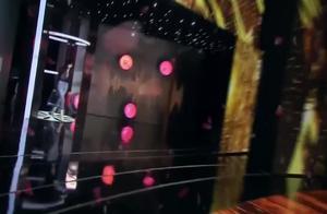 迪丽热巴一出场,观众都惊呆了,欢呼声不断,太美了!