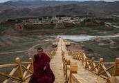 """直击中国的""""聚宝盆"""":不计其数的信徒 感受生生不息的信仰魅力"""