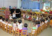 幼儿园亲子活动水果拼盘怎么玩