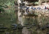 张家界-金鞭溪,溪水特别清澈,全长7.5公里