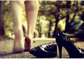 夏季粗跟高跟鞋怎么搭配