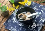 藕粉黑芝麻糯米汤圆