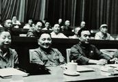 毛主席问邓小平:自己死后军队会发生什么情况?邓小平回答一句话