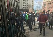 """北京保障房业主推倒""""隔离墙"""": 要与商品房共享物业"""