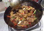 川味红烧鸡块的做法