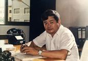 """他30年只做玻璃,如今身家125亿捐80亿,却说这是""""小善"""""""
