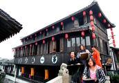 上海南汇农家大院 三代作画人成长于此
