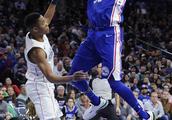 NBA常规赛:76人胜奇才