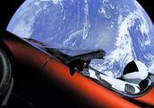 马斯克又火了!世界最强火箭震撼发射,还让特斯拉跑车飞上了太空