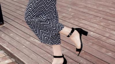 请问一下高跟鞋穿久了腿疼,有什么办法可以缓解?