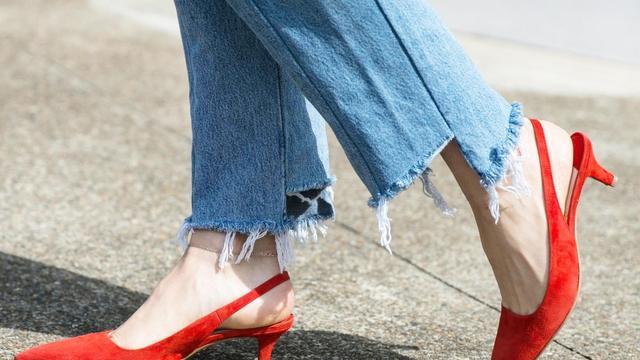大红色高跟鞋怎样搭配才好看?