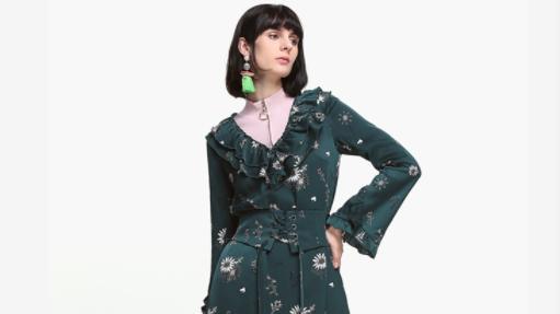 纯色的连衣裙好看还是多种颜色混搭的连衣裙好看,哪种更显气质?