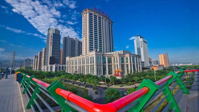 在甘肃武威与天水,哪个城市发展的更好
