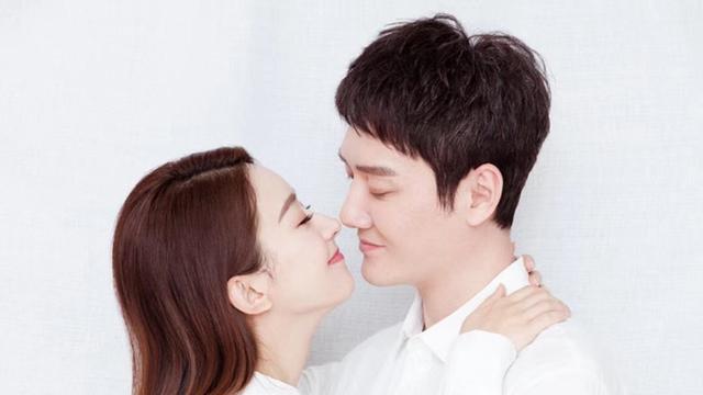 冯绍峰与赵丽颖是怎么在一起的?