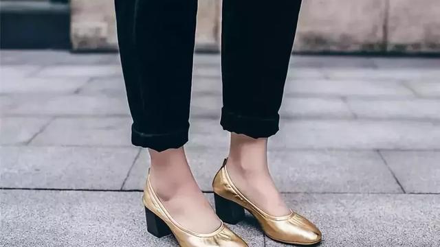 穿裙子要穿什么鞋子