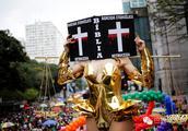 巴西圣保罗举行年度同性恋骄傲大游行