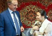 12岁女孩获普京赠犬 这些年普京都送出过哪些狗狗(组图)- 新闻